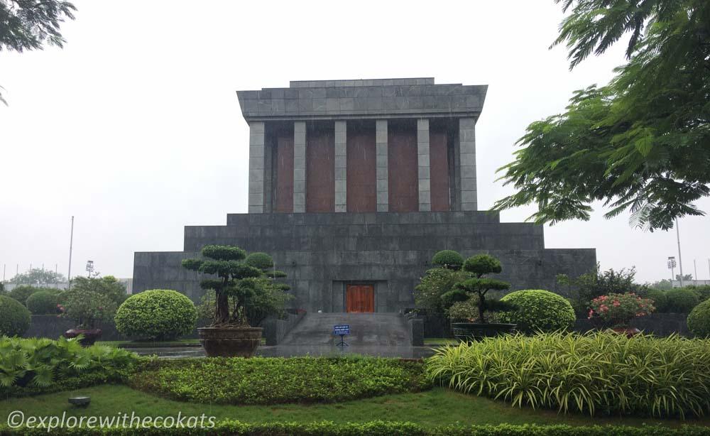 Ho Chi Minh Mausoleum; 2 days in Hanoi